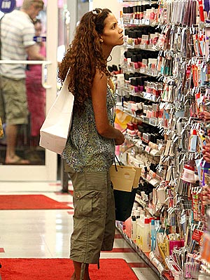 SHOPPING AROUND photo | Halle Berry