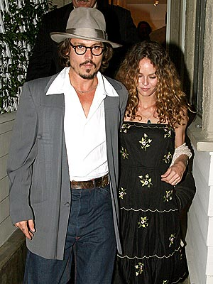 ART IN MOTION photo | Johnny Depp, Vanessa Paradis