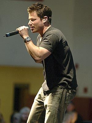 WHAT A TEASE! photo | Nick Lachey