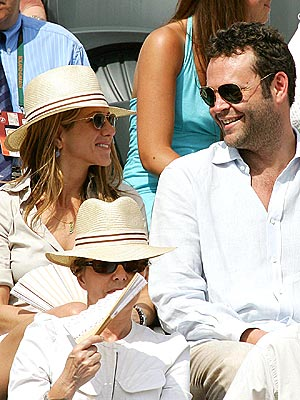 IN THEIR COURT photo | Jennifer Aniston, Vince Vaughn