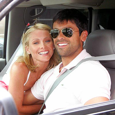 ROMANTIC GEAR photo | Kelly Ripa, Mark Consuelos