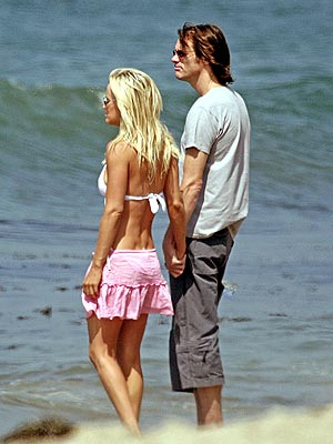 LOVE SCENE photo | Jenny McCarthy, Jim Carrey