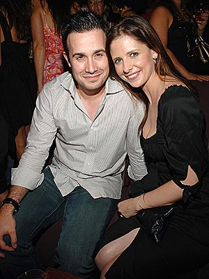 SO HAPPY TOGETHER photo | Freddie Prinze Jr., Sarah Michelle Gellar