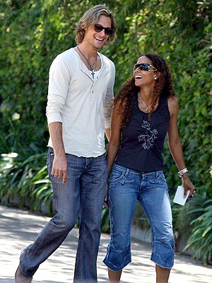 HOT COUPLE photo | Gabriel Aubry, Halle Berry