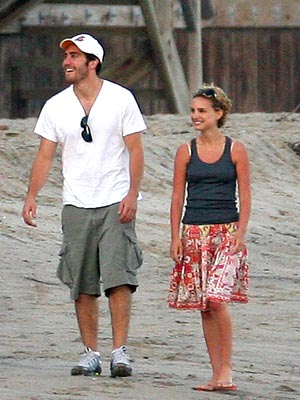 BEACH COMBERS photo | Jake Gyllenhaal, Natalie Portman