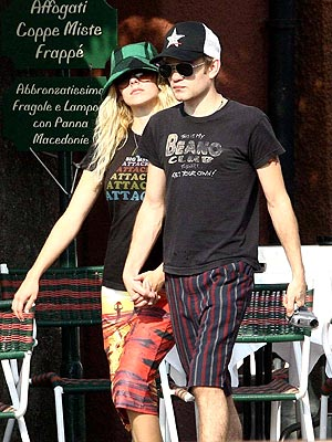 UNDERCOVER LOVERS photo | Avril Lavigne, Derick Whibley