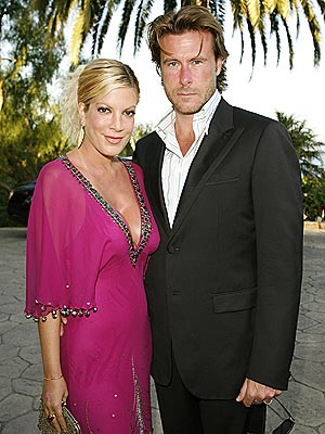 ANIMAL LOVE photo | Dean McDermott, Tori Spelling