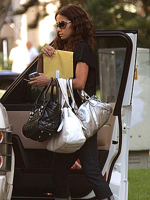 A BAG HABIT photo | Halle Berry