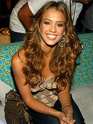 SITTING PRETTY photo | Jessica Alba