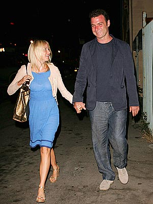 HAND LOCKED photo | Liev Schreiber, Naomi Watts