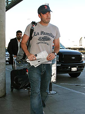 CARRY ON photo | Ben Affleck