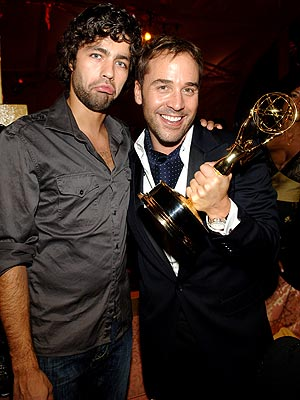 STEALING THE SPOTLIGHT  photo | Adrian Grenier, Jeremy Piven