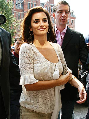 CRUZIN' THROUGH photo | Penelope Cruz