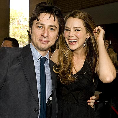 'KISS'-ING UP photo | Jacinda Barrett, Zach Braff
