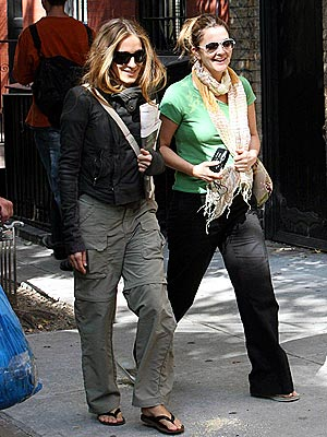 WALKIN' ON SUNSHINE photo | Drew Barrymore, Sarah Jessica Parker