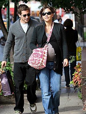 http://img2.timeinc.net/people/i/2006/startracks/061002/maggie_gyllenhaal.jpg