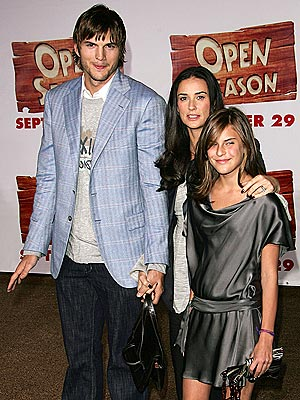 AN ANIMATED BUNCH photo | Ashton Kutcher, Demi Moore, Tallulah Belle Willis