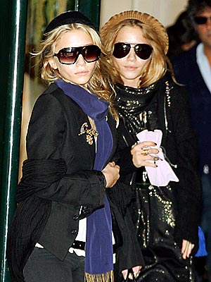 WONDER TWIN POWERS  photo | Ashley Olsen, Mary-Kate Olsen