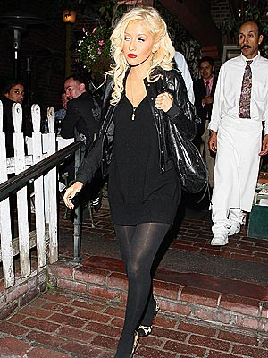 'BASIC' BLACK  photo | Christina Aguilera