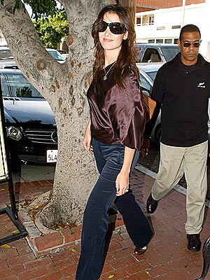MOM'S DAY OUT  photo | Katie Holmes