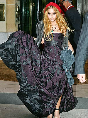 MON DIOR!  photo | Mary-Kate Olsen