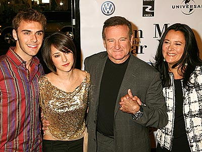 STAND BY THEIR 'MAN'  photo | Robin Williams
