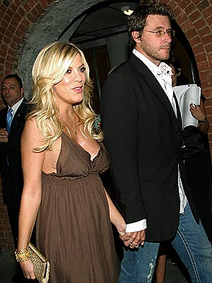 ON THE WAY photo | Dean McDermott, Tori Spelling