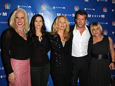 ALL IN THE FAMILY  photo | Alexis Arquette, Courteney Cox, Patricia Arquette, Rosanna Arquette