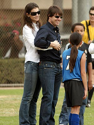 BACKUP SUPPORT photo | Katie Holmes, Tom Cruise