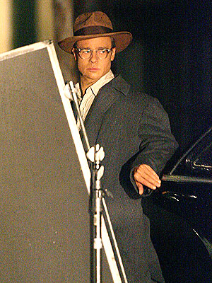 'CURIOUS' BRAD  photo | Brad Pitt