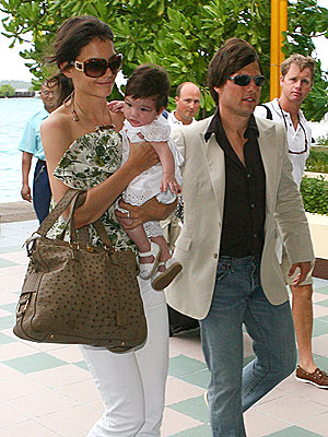 MISSION ACCOMPLISHED photo | Katie Holmes, Tom Cruise