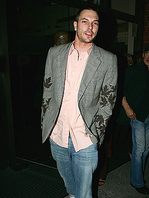 ALL BUSINESS photo | Kevin Federline