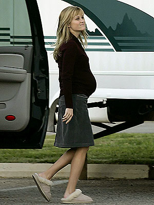 PROFILE OF A PREGNANCY  photo | Reese Witherspoon