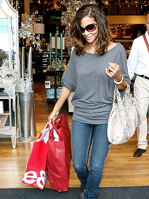 LOOK THE PART  photo | Halle Berry