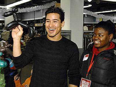 FULL OF HOT AIR  photo | Mario Lopez