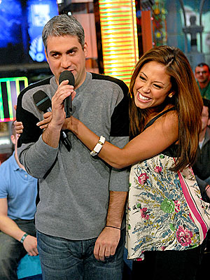 RESTRAINING ORDER  photo | Taylor Hicks, Vanessa Minnillo
