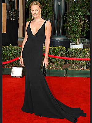 http://img2.timeinc.net/people/i/2006/stylechannel/gallery/bw_best/charlize_theron300x400.jpg