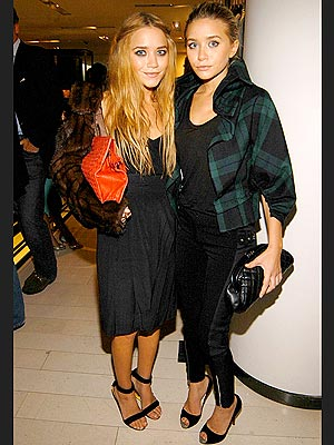 MARY-KATE & ASHLEY OLSEN photo