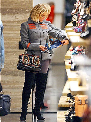 SHOE-IN   photo | Jessica Simpson