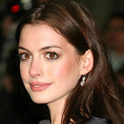 Celebrity hairstyles Anne Hathaway 5