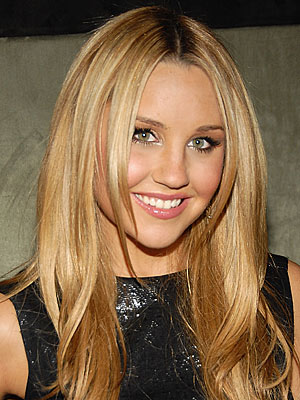 [Image: amandabynes300.jpg]
