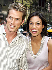 rosario dawson is dating