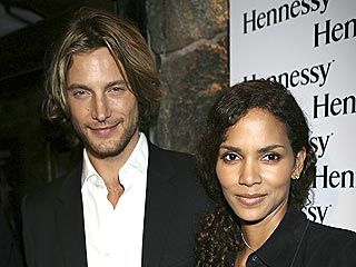 Halle Berry&#39;s Boyfriend Does His Daddy Research