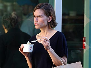 Hilary Swank Hits the Mall with Her Boyfriend | Hilary Swank