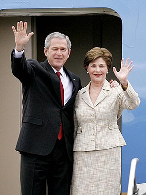 Inside the Bushes' Moving Truck? Not Much | George W. Bush, Laura Bush
