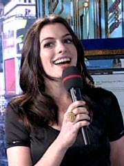 Anne Hathaway Gets Musical – with Karaoke