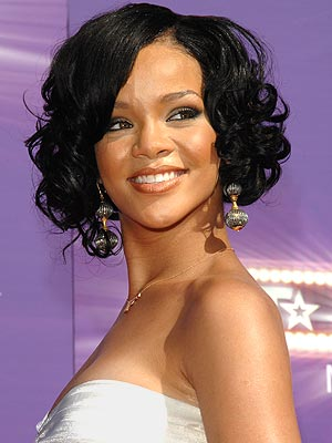 THE BOMBSHELL  photo | Rihanna