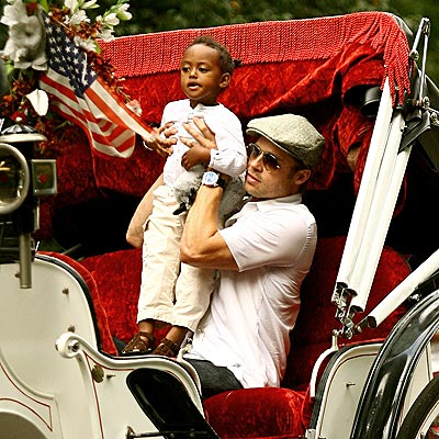 BACKSEAT DRIVER photo | Brad Pitt, Zahara Jolie-Pitt