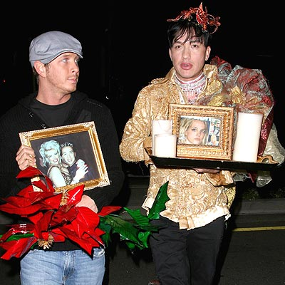 CELEB STYLIST BOBBY TRENDY HOLDS A VIGIL OUTSIDE CEDARS-SINAI photo | Bobby Trendy