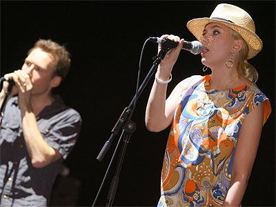 SING-ALONG  photo | Scarlett Johansson